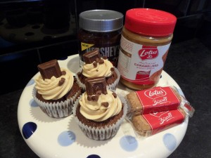 Biscoff & Chocolate Cupcakes - a bit of a mad medley!